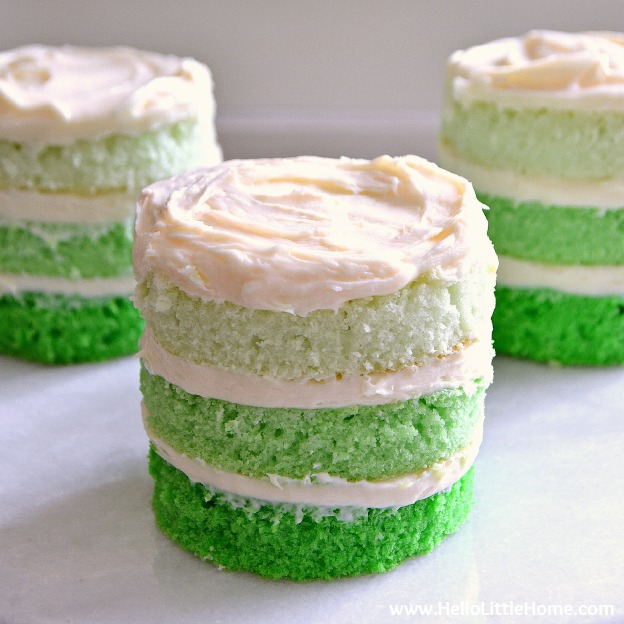 https://hellolittlehome.com/st-patricks-day-mini-ombre-cakes/